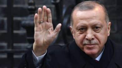 "Photo of أردوغان ""يهدد"" الخليجيين ومغردون عرب يردون"