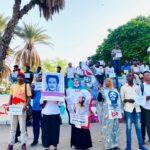 وقفة صامتة أمام القيادة العامة تخليداً لذكرى شهداء مجزرة فض الاعتصام